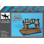 Street w/ house ruin base