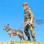 Feldjäger mit Hund