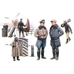 German Pilots and Ground Personnel (Winter Uniform