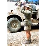 Deutscher Soldat mit Fernglas, Afrika Korps  1:35
