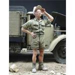 Dt. Soldat hält seine Mütze,  Afrika Korps 1:35