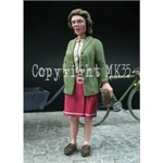 French woman during WWII   1:35