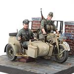 Zündapp KS-750 with Sidecar & Troopers