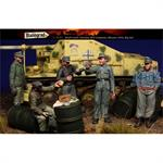 Brief Lunch, German AFV Crewmen Ukraine 44 Big Set