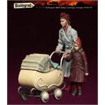 European Refugees, Frau mit Kind und  Babywagen