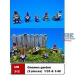 Garden Gnomes / Gartenzwerge