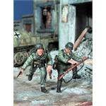 35413 Panzer Grenadioers in Panzer Tunics