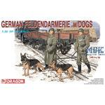 German Feldgendamerie mit Hunden