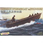 German Sturmboot mit Pionieren