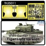 Tiger I later Vers. for muffler cover/tool buckles