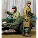 WW2 US NCO & Driver  2 Fig.   1/35