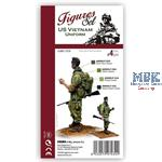 US VIETNAM UNIFORMS SET . FIGURE SET
