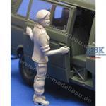 Soldatin, Schiebetüre aufschiebend, für VW Bus
