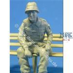 Soldat 3, auf Ladefläche sitzend, ca. 1995