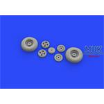 Spitfire Mk. IX wheels 4 spoke w/pattern tire 1/32