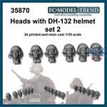 DH-132, helmet heads set 2