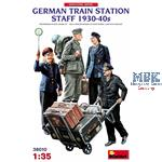 GERMAN TRAIN STATION STAFF 1930-40s