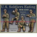 US Soldiers Eating