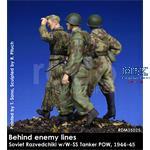 Behind enemy lines - Soviet Razvedchiki w/ POW
