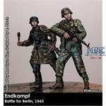 Endkampf  Berlin 1945    2 Figures