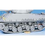 SHERMAN M4A3E8 W/ WORKABLE TRACK LINKS
