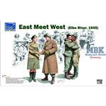 East meet West (Elbe River 1945)
