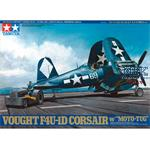 US Vought F4U-1D Corsair mit Schlepper  1/48