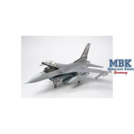 Lockheed Martin F-16C [Block25/32] Fighting Falcon