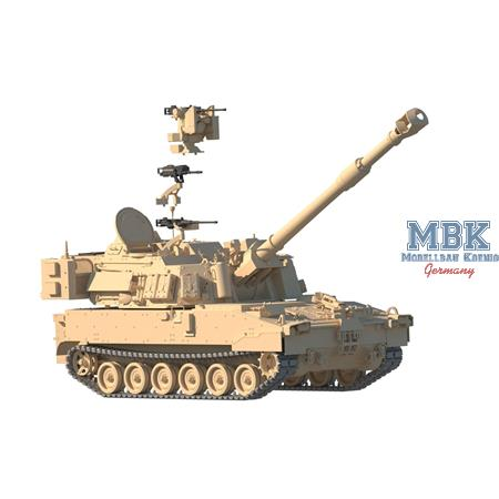 M109A7 Paladin SPH with metal track link