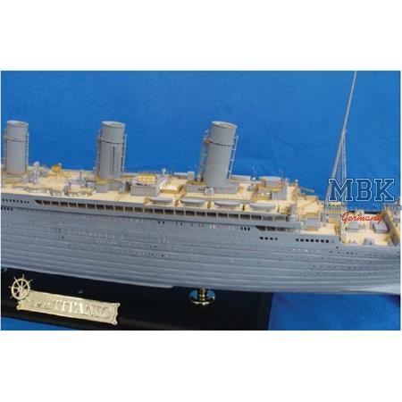RMS Titanic  - Premium Edition With LED