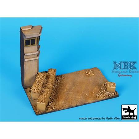 Guard Tower base  1/72