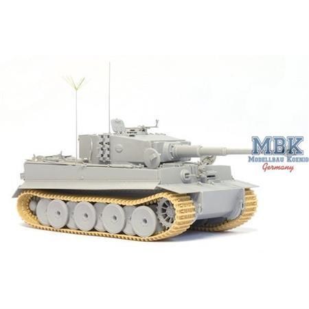 Tiger I Ausf. E MID Prod. Command ~ CyberHobby