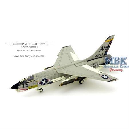 """F-8E Crusader VF-162 """"Hunter"""" AH200 1966"""