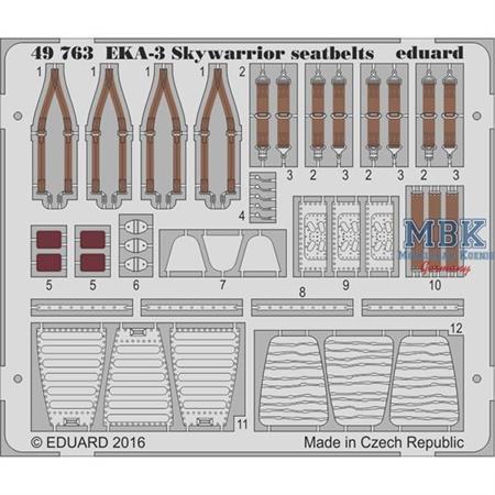 EKA-3 Skywarrior seatbelts