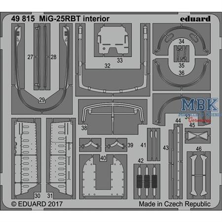 MiG-25RBT interior