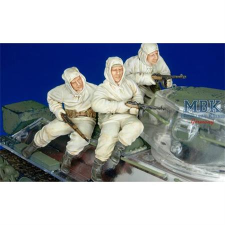 Russian Inf. Riding with T-34  - 3 Figures