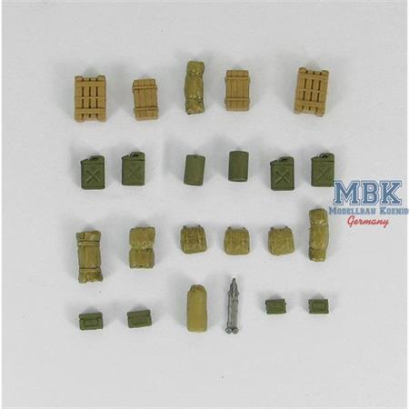 23 pieces of WW II U.S. Army accessories
