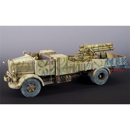 Lancia 3Ro Italian Truck w/ 100/17 100mm Howitzer