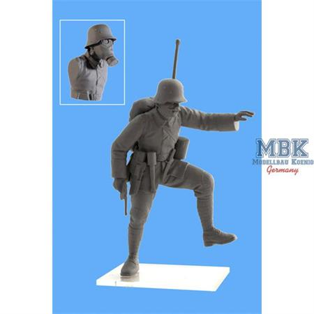 German Infantry with Gasmasks 1918