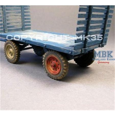 Heuwagen / Cart with slatted sides  1:35