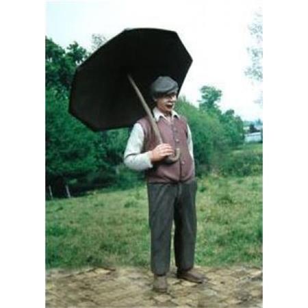 Mann mit Regenschirm, Civilian with Umbrella 1:35