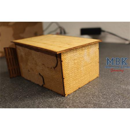 Garage mit Holztor WKII