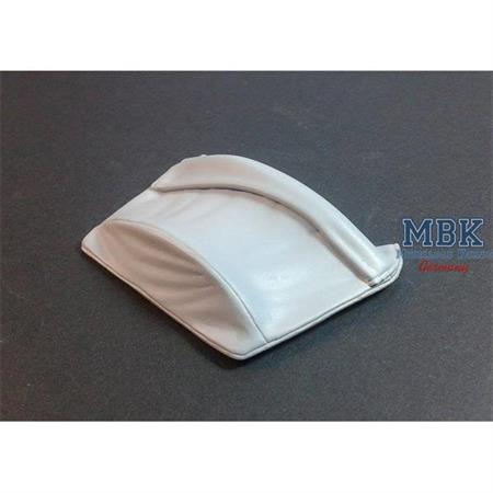 Rolled canvas cover for Sd.Kfz 250 (Alt)