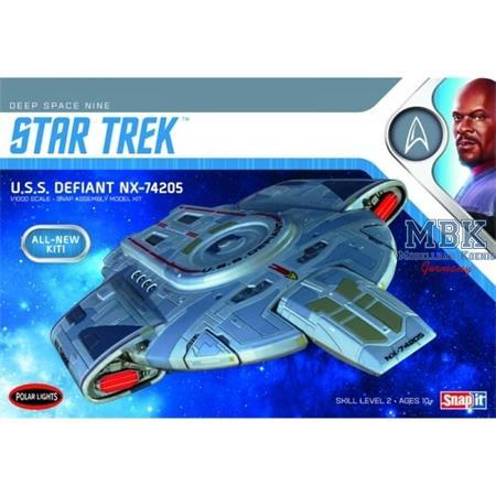 Star Trek U.S.S. Defiant NX-74205 (Snap-Kit)