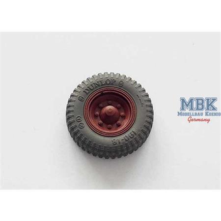 Sd.Kfz.251 & 11 front wheels (Dunlop)