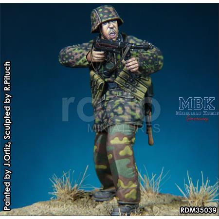 Feuer Frei - Waffen SS NCO w/ MP40 1943-45