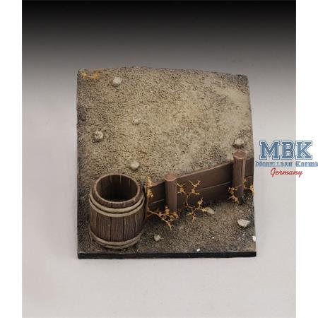 Base with Bucket and wooden Wall   1/35 - 1/32