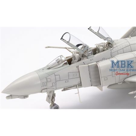 Mcdonnell F-4B Phantom II  1/48
