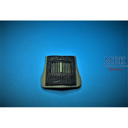 Ford V3000 Winter Radiator cover open